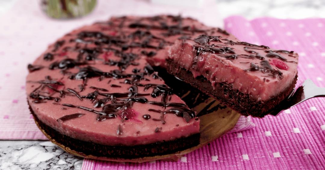 veganer Schokoladenkuchen mit Himbeeren - veganer Schokoladenkuchen Rezept kalorienarm
